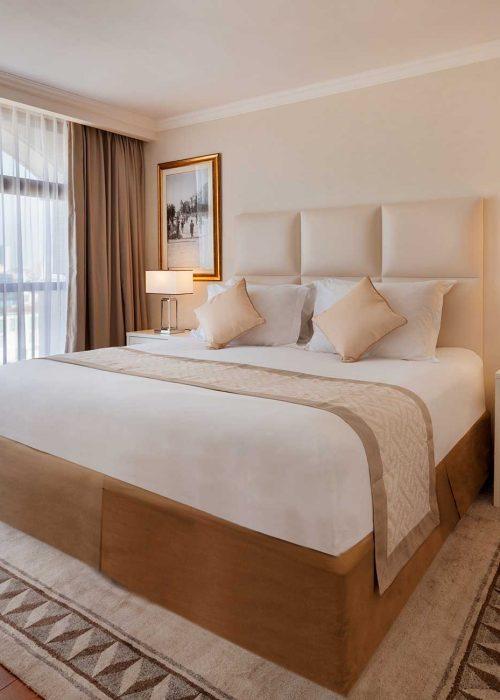 One-Bedroom-Suite---Double-Bed003